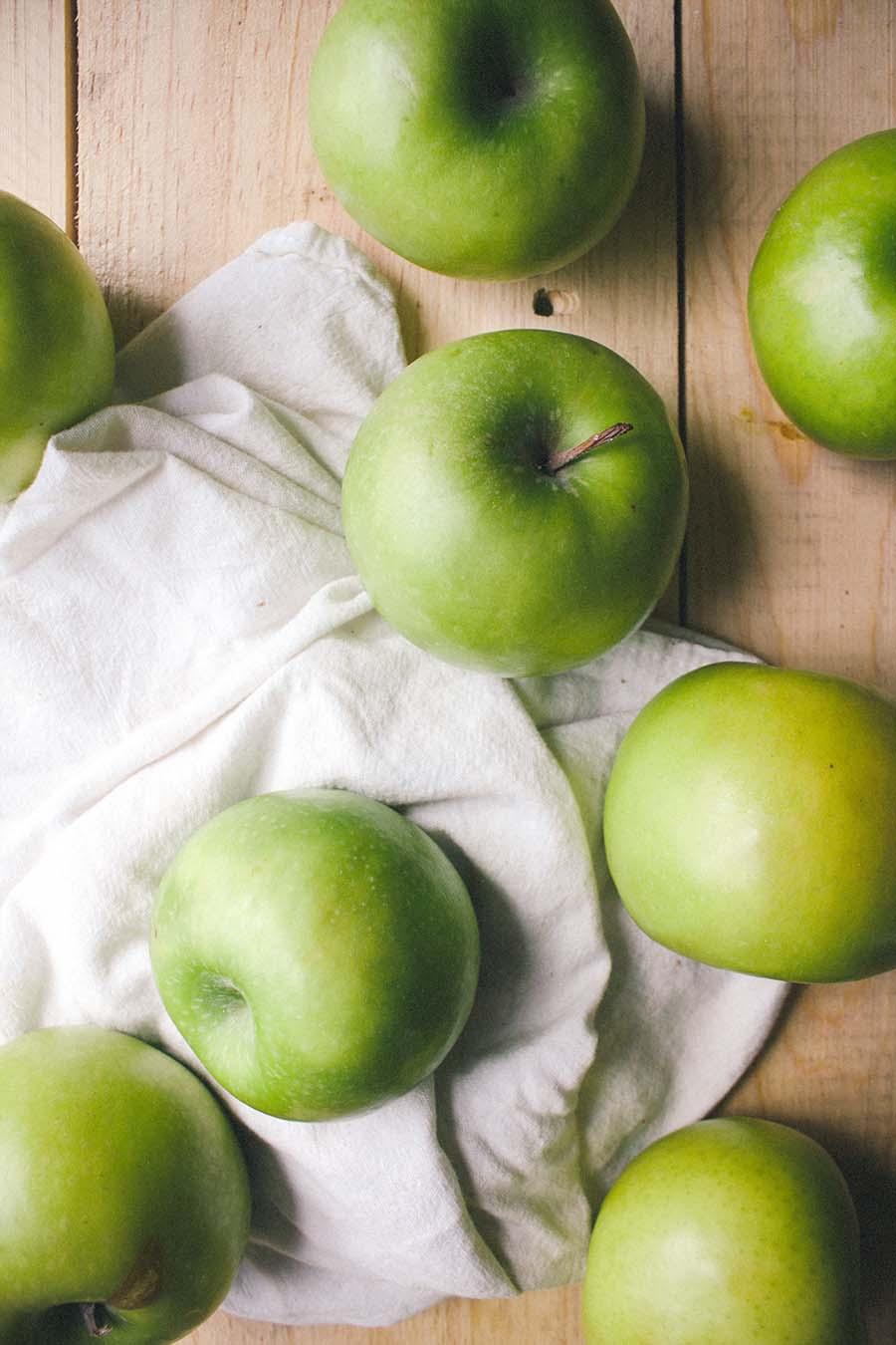 Chai-Spiced Citrus & Apple Breakfast Crumble
