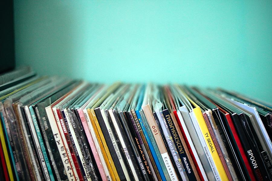 vinyllistening2