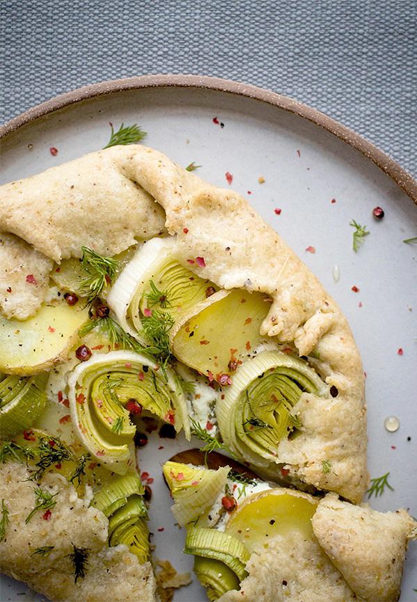 mini-goat-cheese-leek-potato-spring-galettes-with-pistachio-crusts1