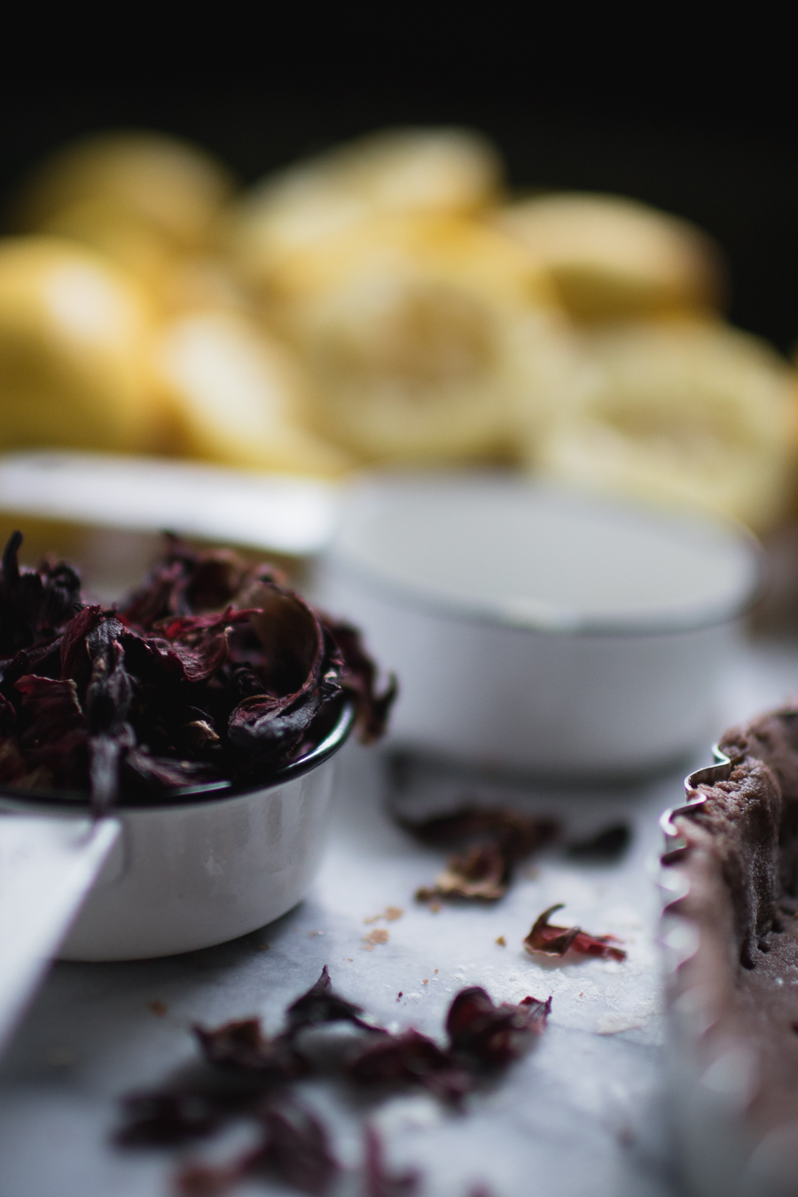 dried hibiscus meant for lemon tart