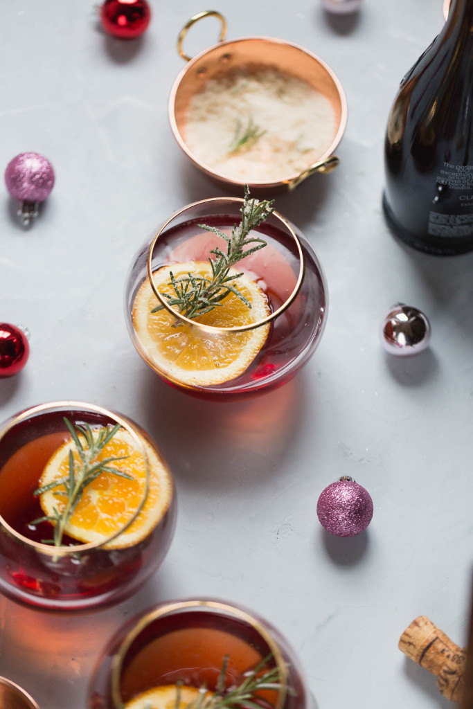 champagne holiday cocktail recipe