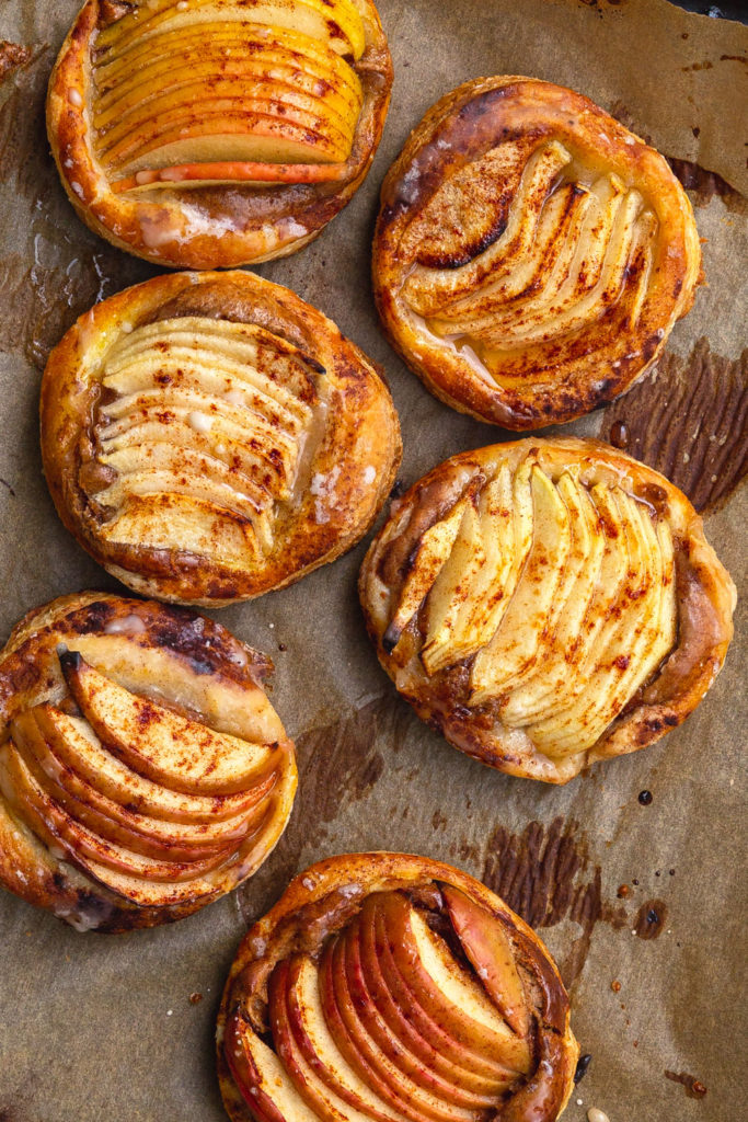apple puffy pastry tarts