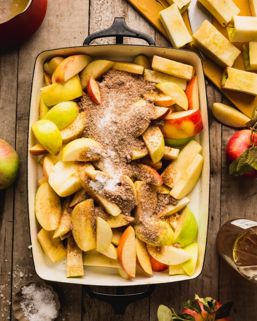 apples with cinnamon and spices